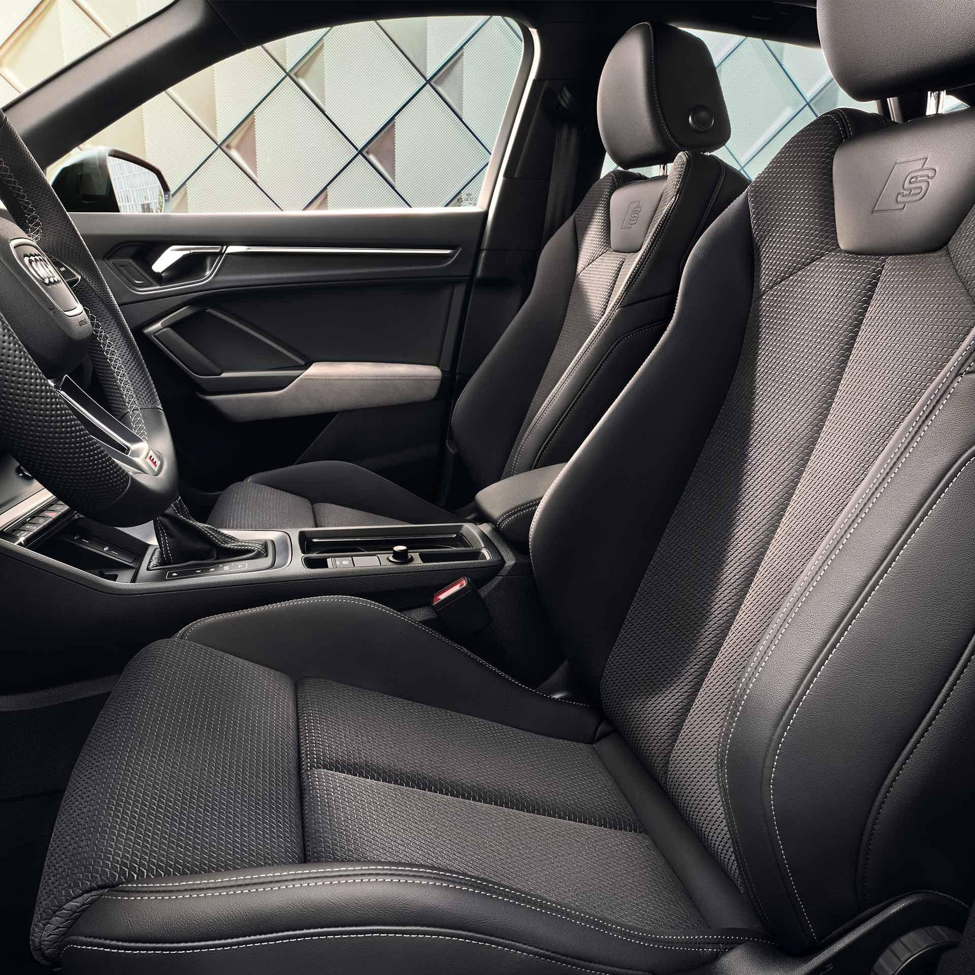 1920x1920-audi-q3-sportback-tfsi-e-interior-Q3_2020_1411